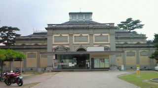 奈良国立博物館の麗姿