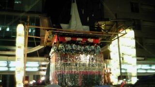 今夜から祇園囃子・雨の宵々々山となりました