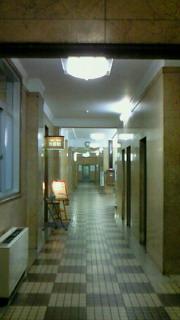 神戸居留地の神港ビル・喫茶8はレトロで不思議な空間