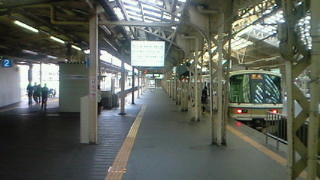 田舎の終着駅ではありません。大阪のターミナル天王寺駅です。