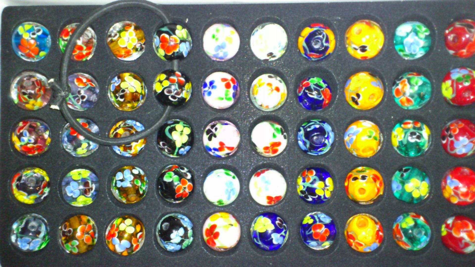 トンボ玉を箱買いしてしまいました。