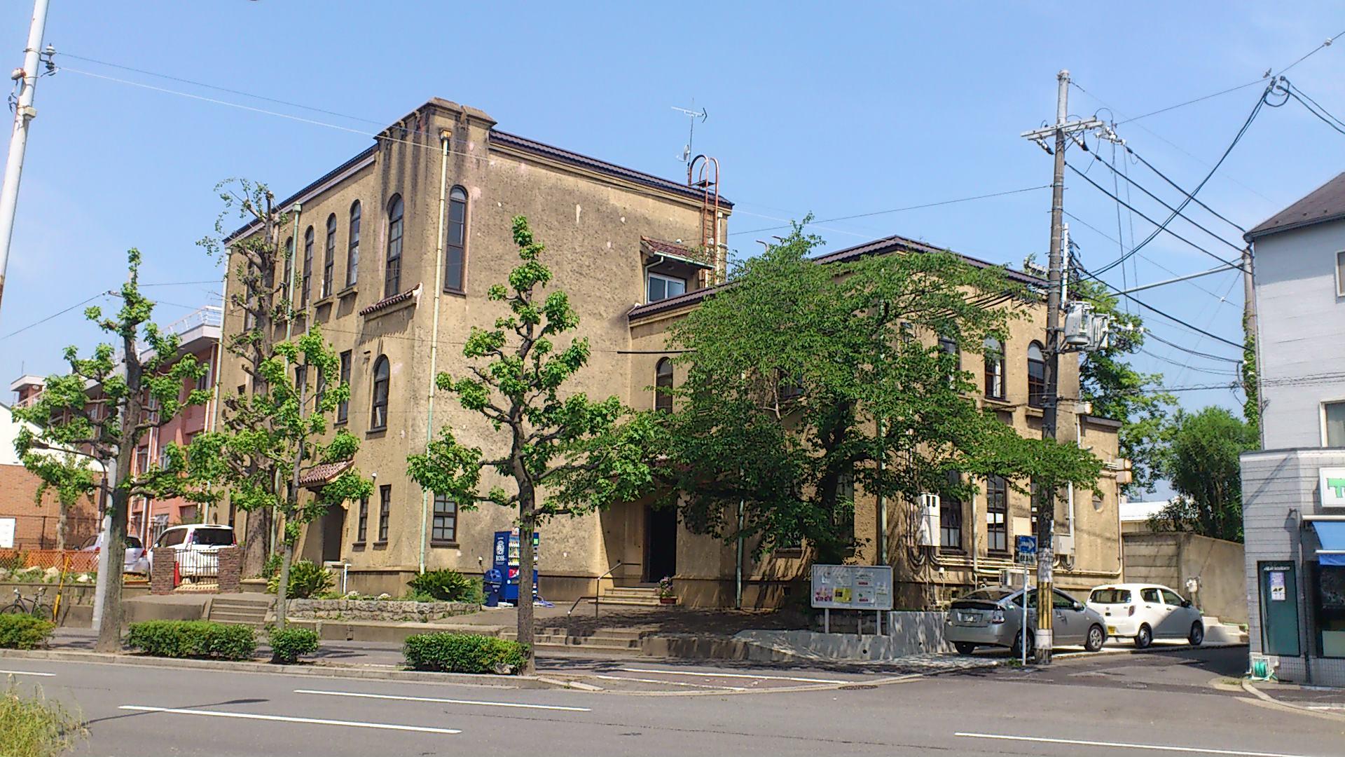 気になる近代建築・紫明通の紫明会館。昭和初期のアメリカ経由のスパニッシュ♪