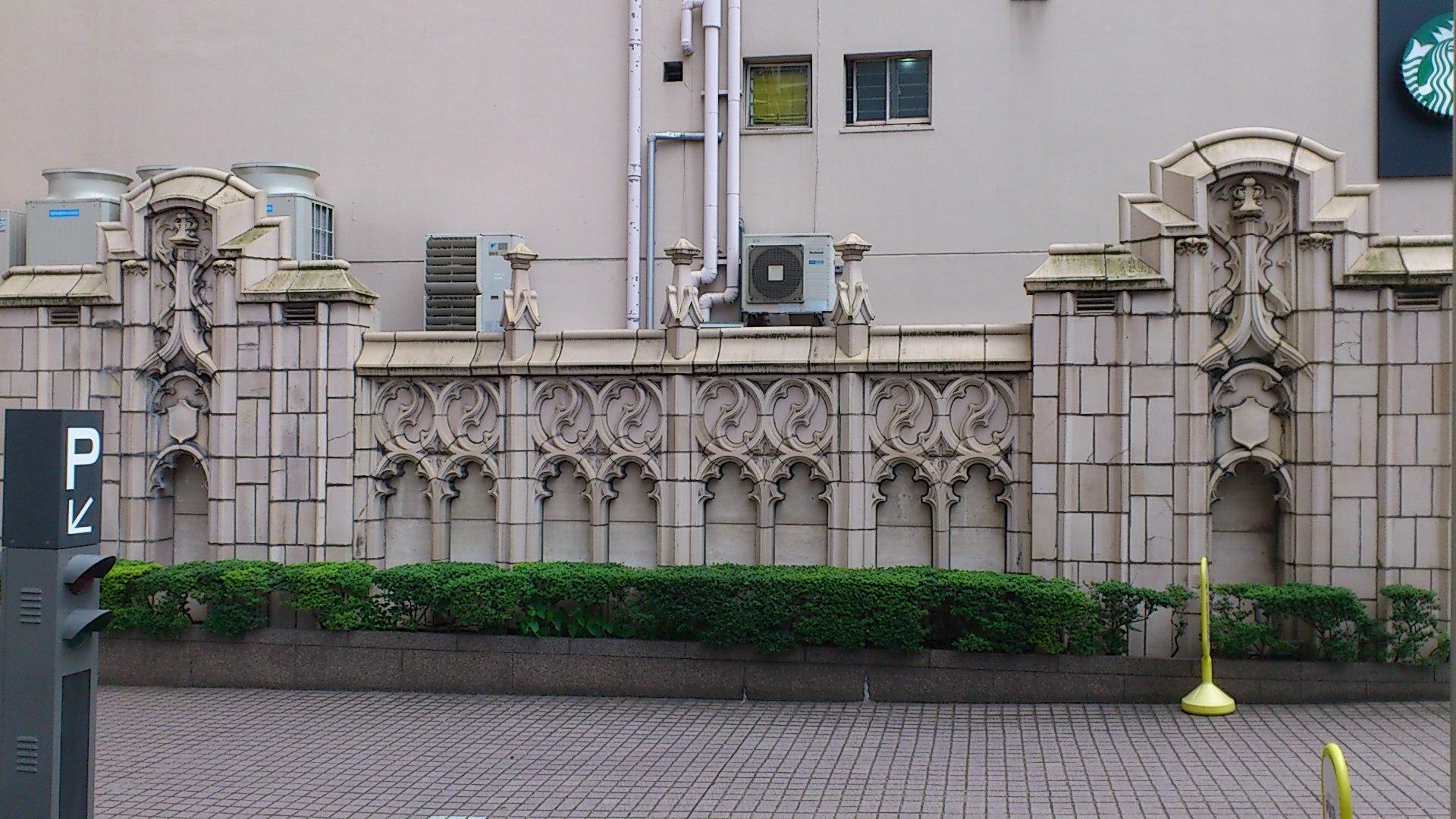 土佐堀川のリニューアル建築たち